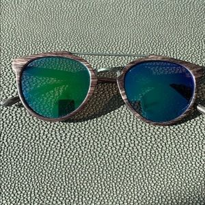 Accessories - Green mirrored sunglasses
